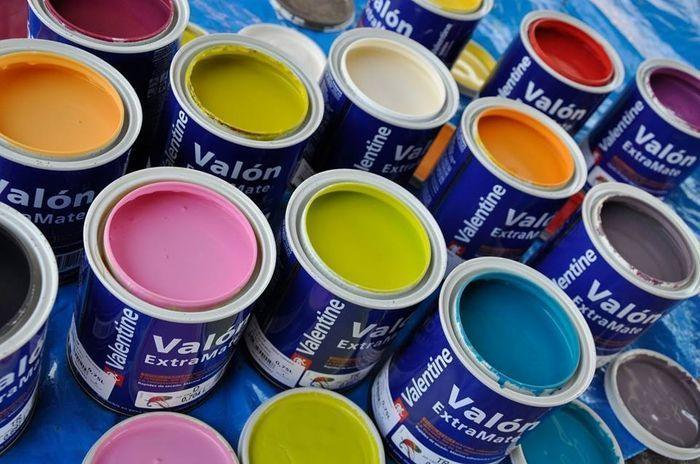 Pinturas de colores para superficies